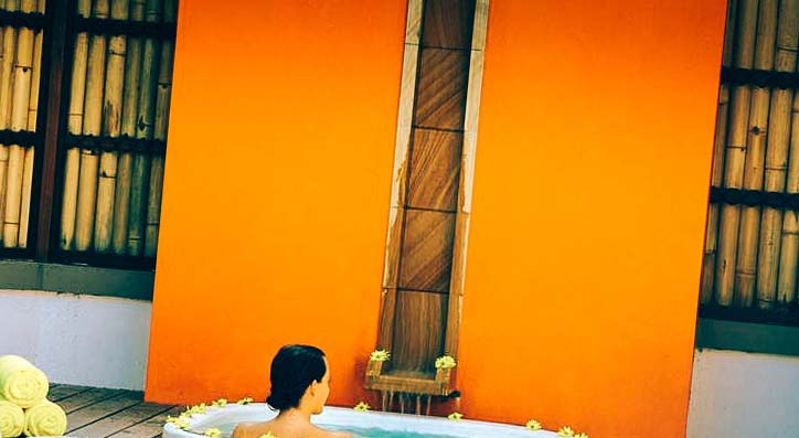 купание в джакузи