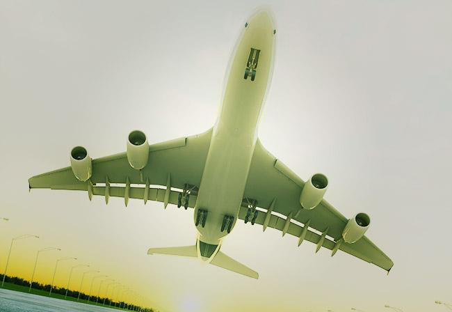 Авиалайнер на взлете