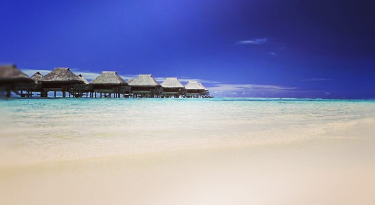 • Air Hotel Intercontinental Moorea Lagoon Resort & Spa skats no pludmales