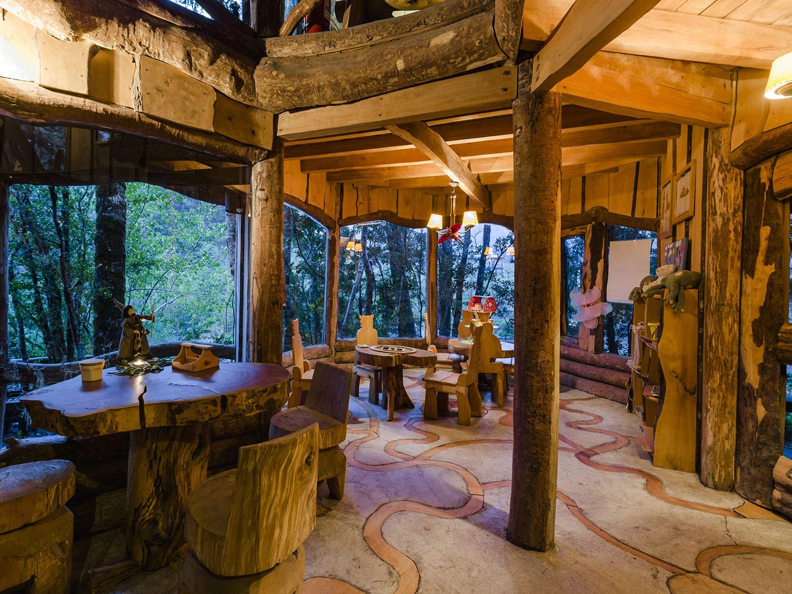 Картинки по запросу Уникальный отель - вулкан Montana Magica