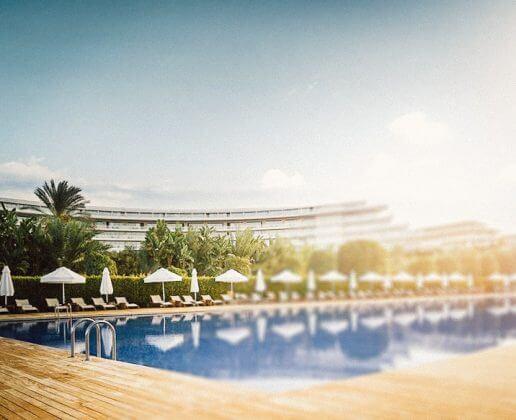 открытый бассейн с с подогревом отеля Maxx Royal Belek Golf Resort 5*